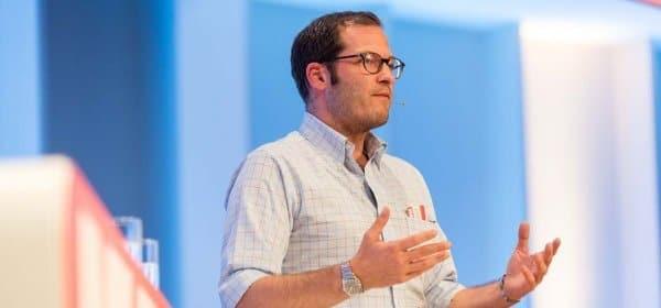 """""""Bild""""-Chefredakteur Julian Reichelt bei seiner Keynote auf dem Kommunikationskongress. (c) Jana Legler"""