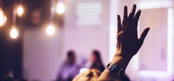 Sind virtuelle Seminare genauso effizient wie Präsenz-Seminare? (c) Marcos Luiz / Unsplash
